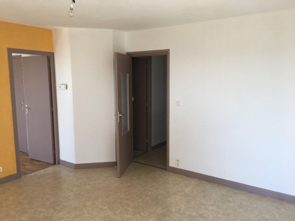 Appartement à louer 2 44.5m2 à Neussargues-Moissac vignette-3