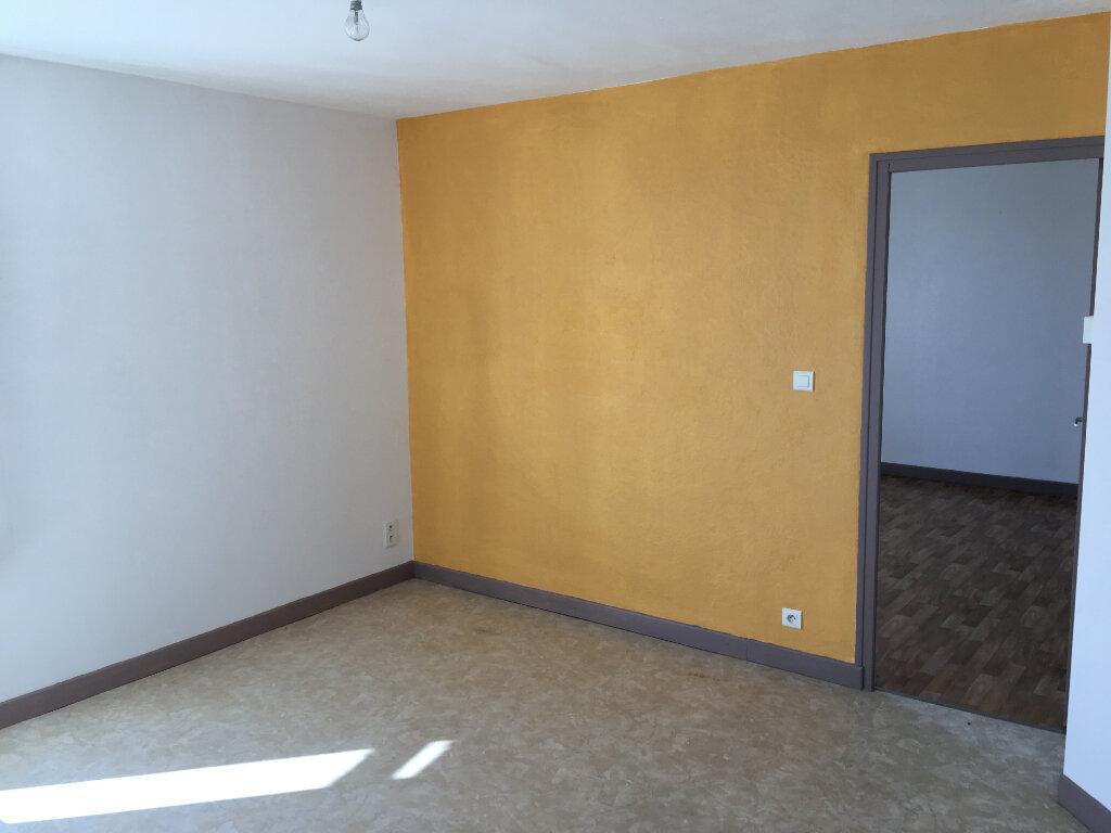 Appartement à louer 2 44.5m2 à Neussargues-Moissac vignette-4