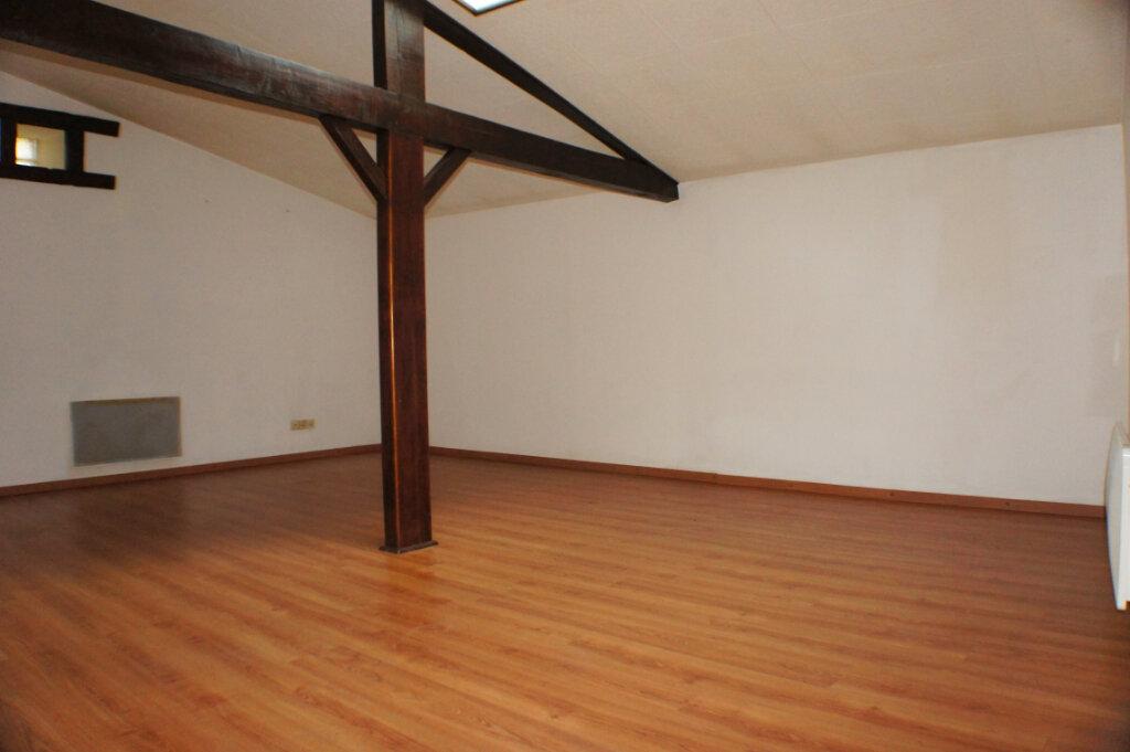Maison à vendre 3 82m2 à Saint-Flour vignette-3