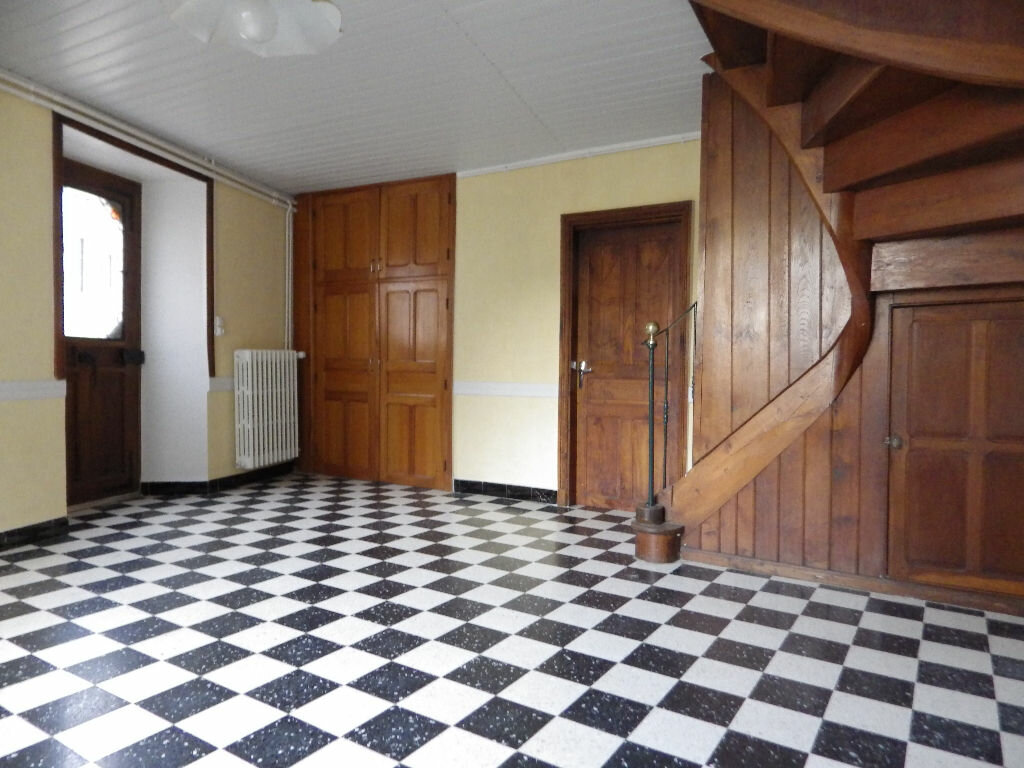 Maison à louer 4 77.9m2 à Chaudes-Aigues vignette-2
