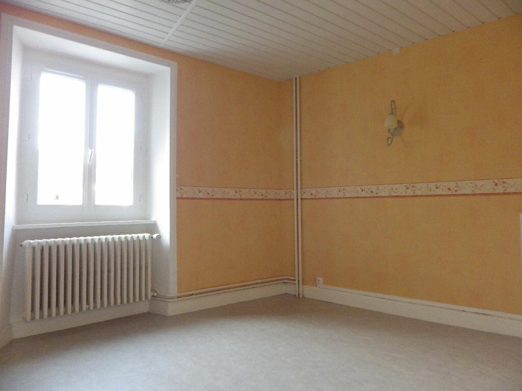 Maison à louer 4 77.9m2 à Chaudes-Aigues vignette-4