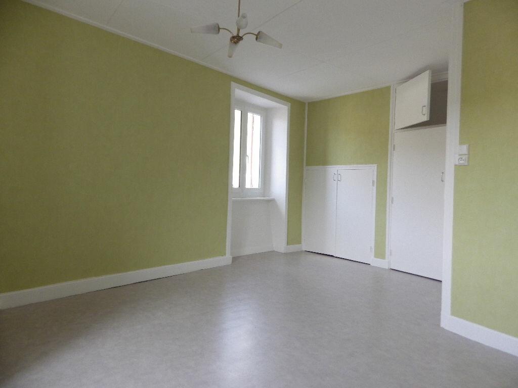 Maison à louer 4 77.9m2 à Chaudes-Aigues vignette-6