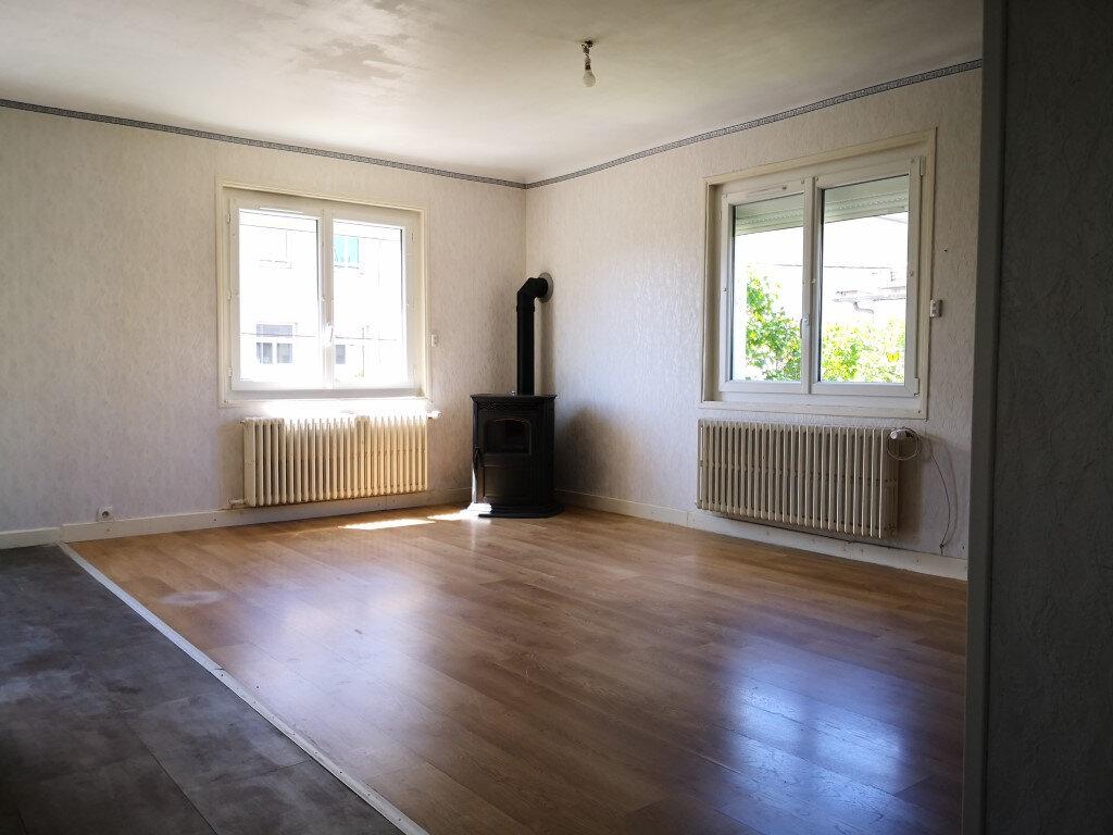 Maison à louer 7 98.87m2 à Saint-Chély-d'Apcher vignette-3