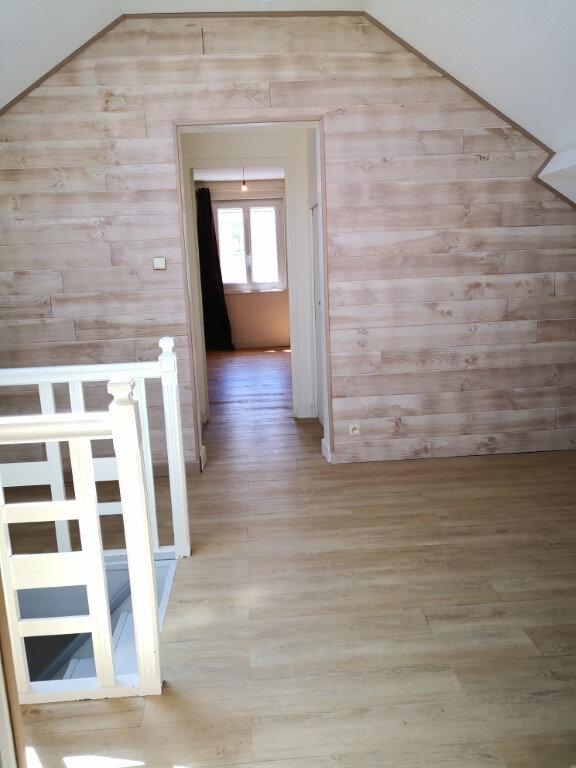Maison à louer 7 98.87m2 à Saint-Chély-d'Apcher vignette-11