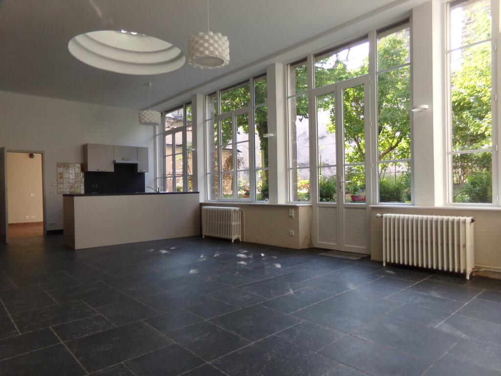 Appartement à louer 3 97.2m2 à Saint-Flour vignette-1