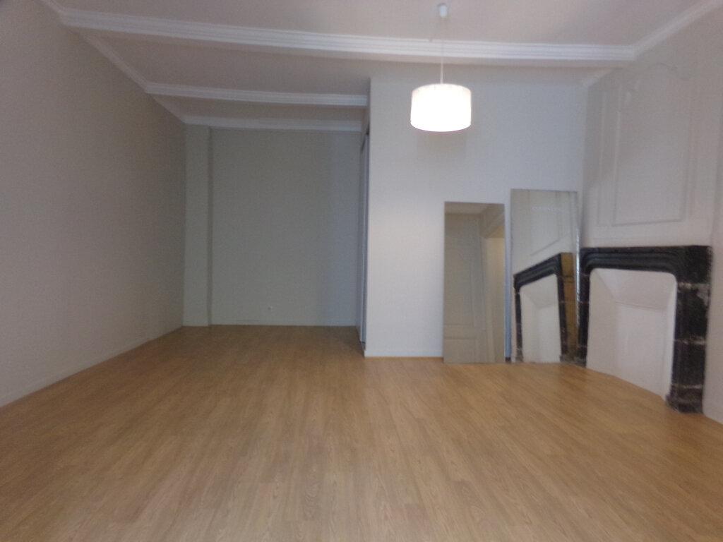 Appartement à louer 3 97.2m2 à Saint-Flour vignette-6
