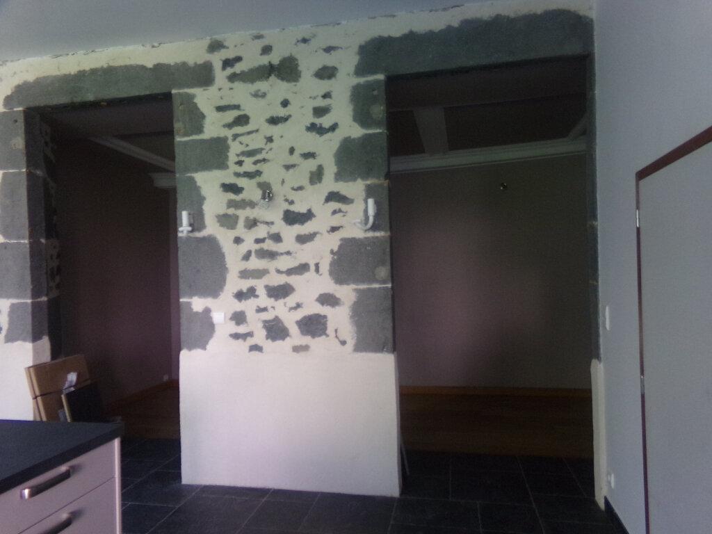 Appartement à louer 3 97.2m2 à Saint-Flour vignette-7