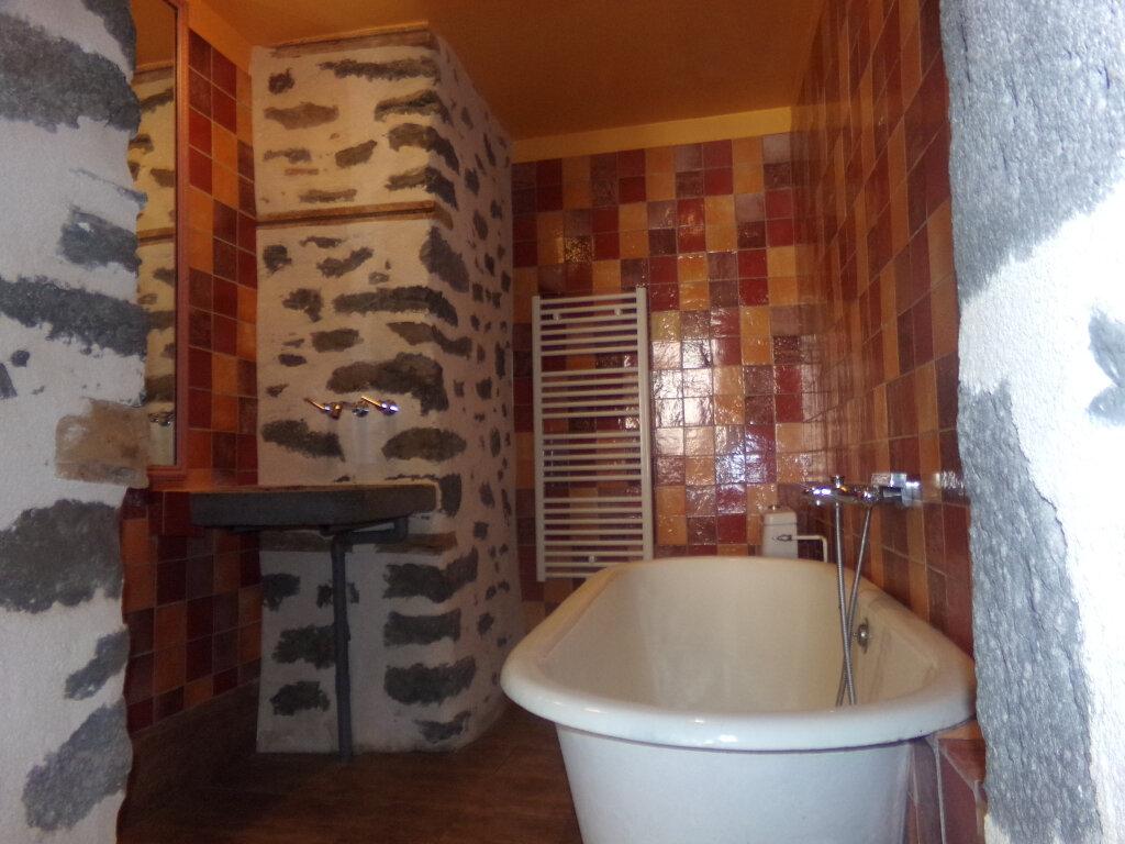 Appartement à louer 3 97.2m2 à Saint-Flour vignette-8