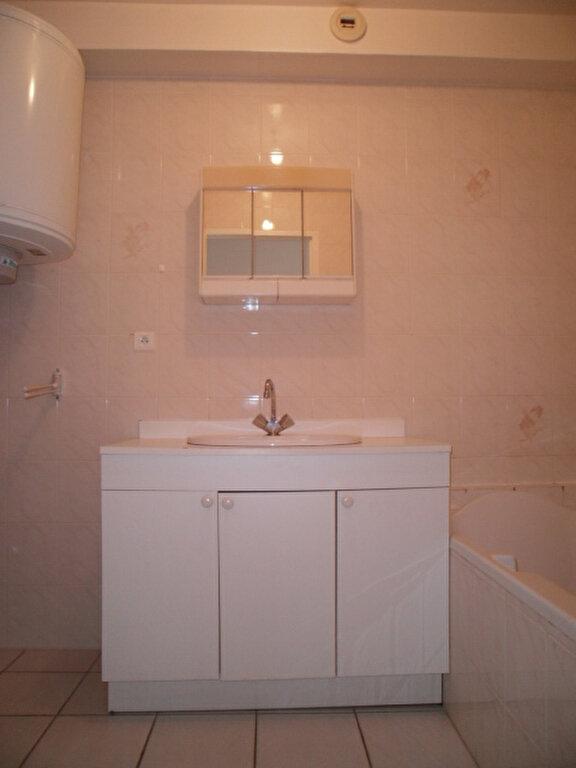 Appartement à louer 1 30.5m2 à Saint-Flour vignette-3