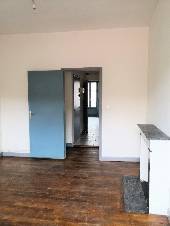 Appartement à louer 3 60m2 à Saint-Flour vignette-6