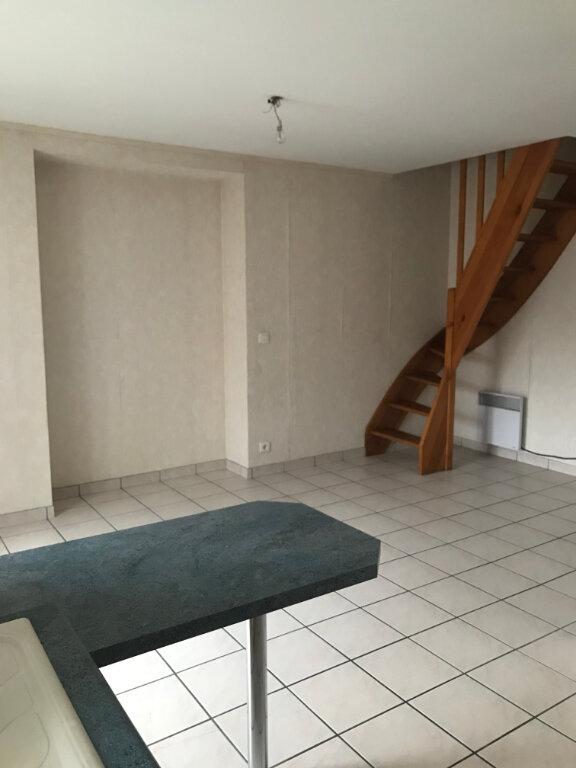Appartement à louer 3 46m2 à Saint-Flour vignette-2