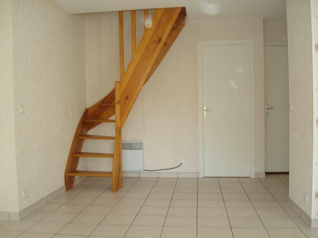 Appartement à louer 3 46m2 à Saint-Flour vignette-4