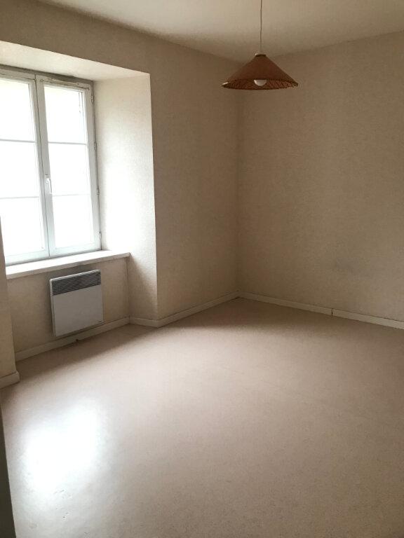Appartement à louer 3 46m2 à Saint-Flour vignette-6