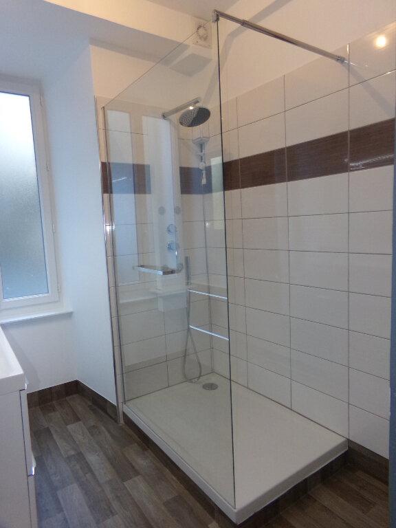 Appartement à louer 5 114.9m2 à Saint-Flour vignette-6