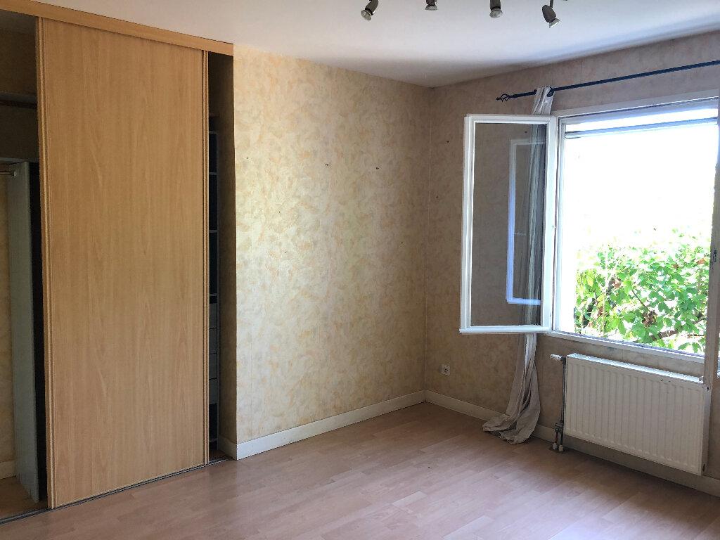 Maison à louer 5 122m2 à Challuy vignette-8