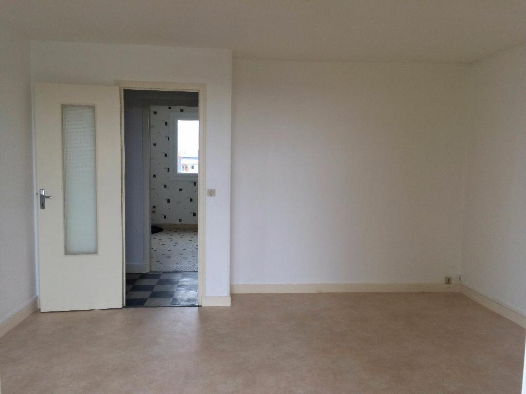 Appartement à louer 2 45.73m2 à Nevers vignette-2