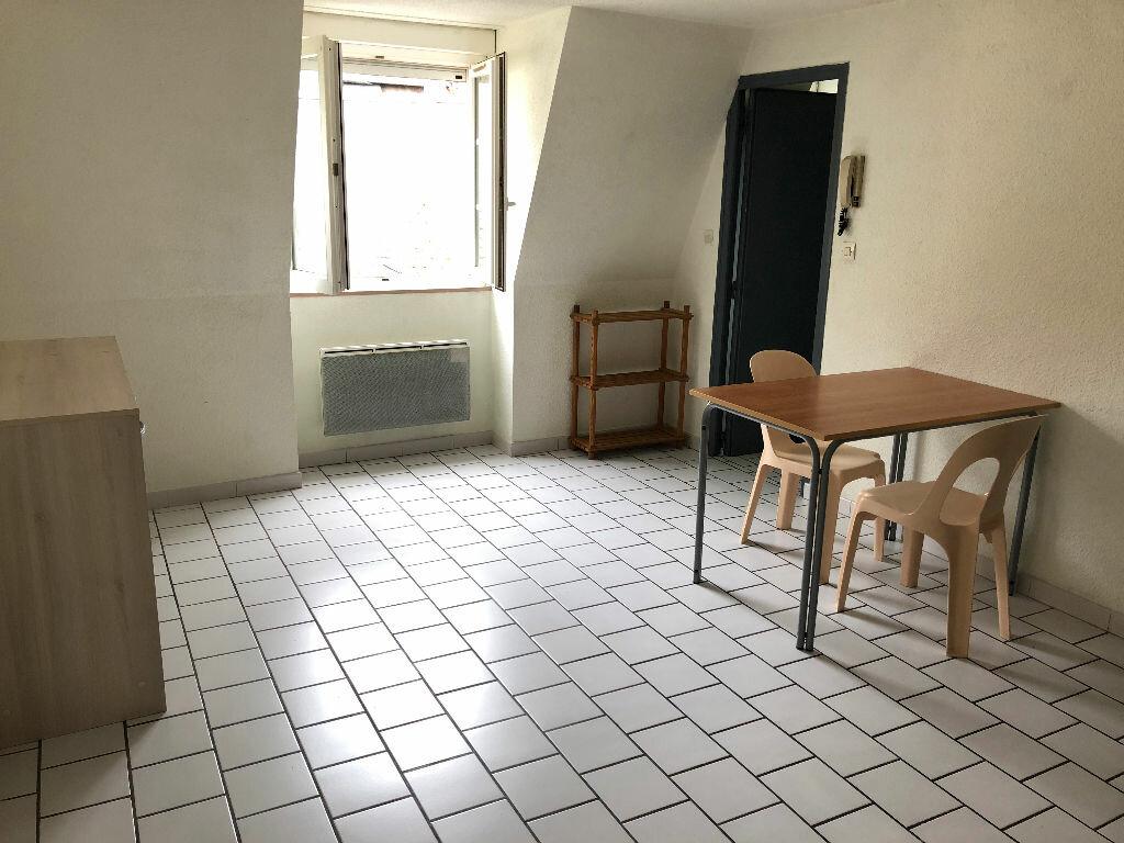 Appartement à louer 2 35m2 à Nevers vignette-3