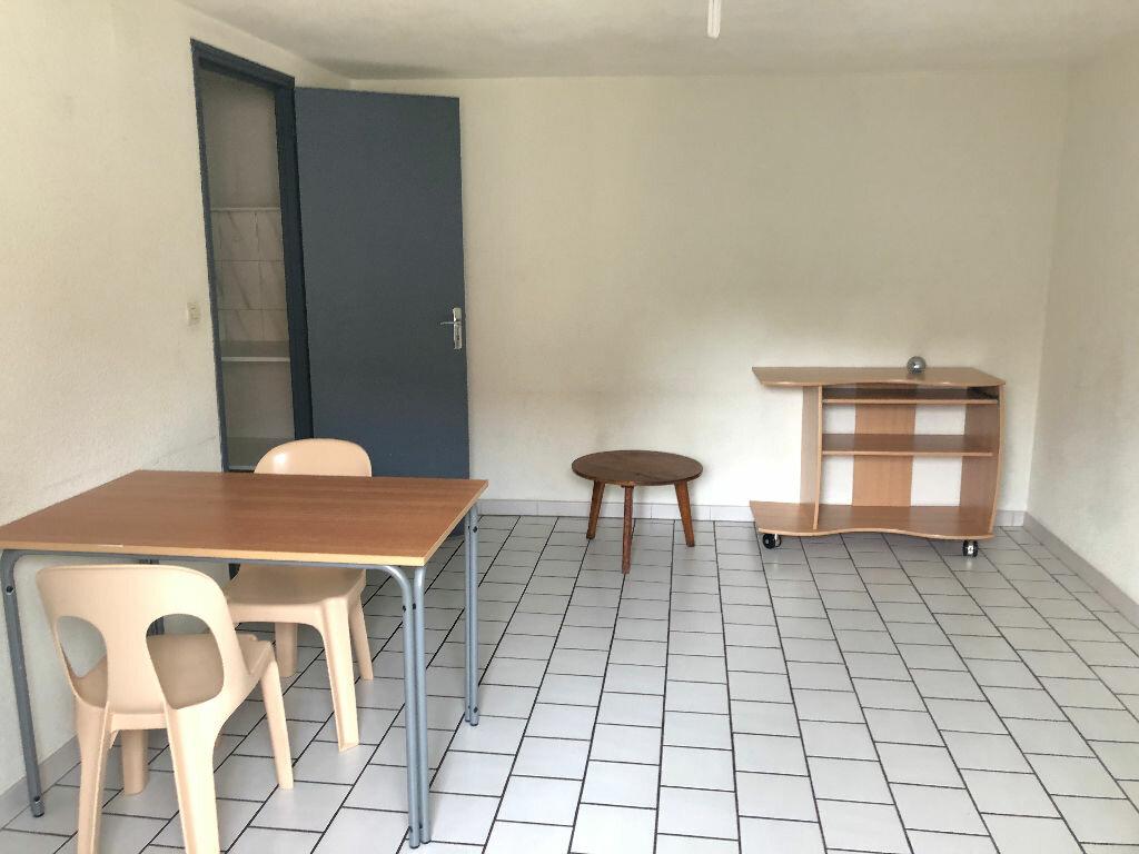 Appartement à louer 2 35m2 à Nevers vignette-4