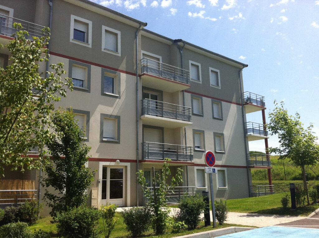 Appartement à louer 2 37m2 à Nevers vignette-1