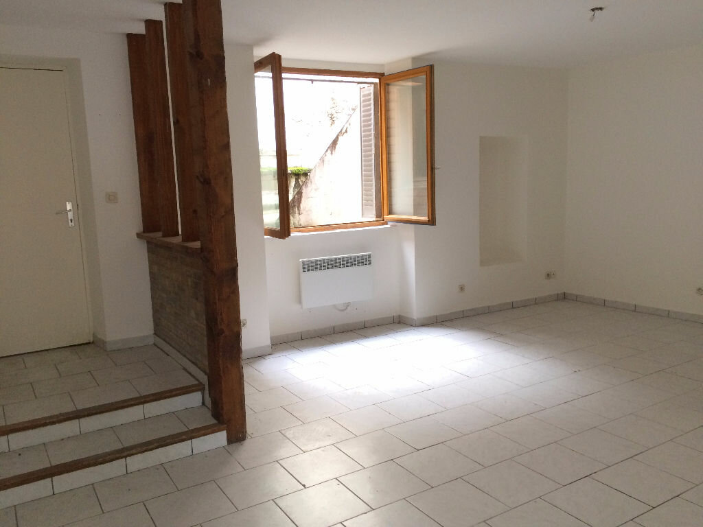 Appartement à louer 3 56m2 à Nevers vignette-1