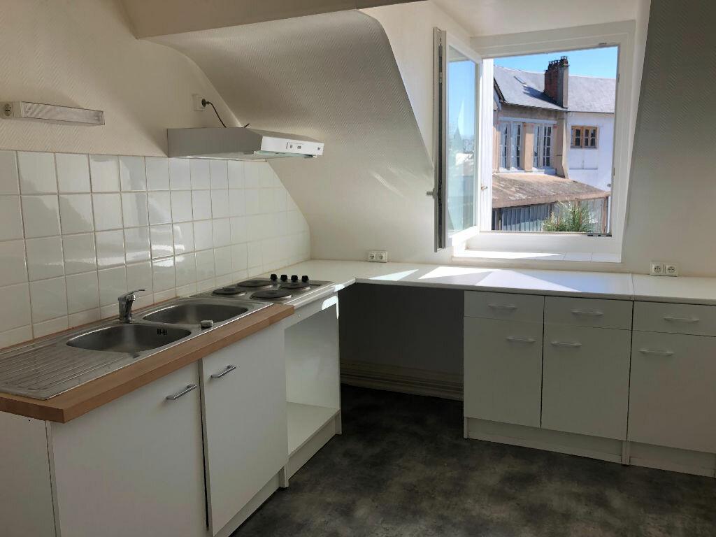 Appartement à louer 2 71m2 à Nevers vignette-1