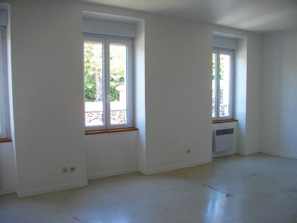 Appartement à louer 3 45.55m2 à Vierzon vignette-3