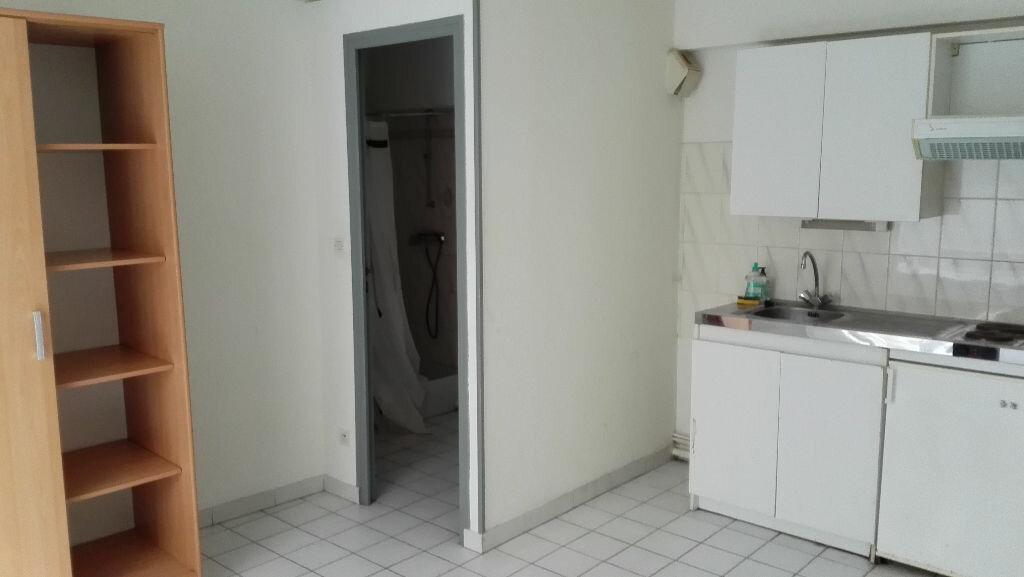 Appartement à louer 1 18m2 à Nevers vignette-5