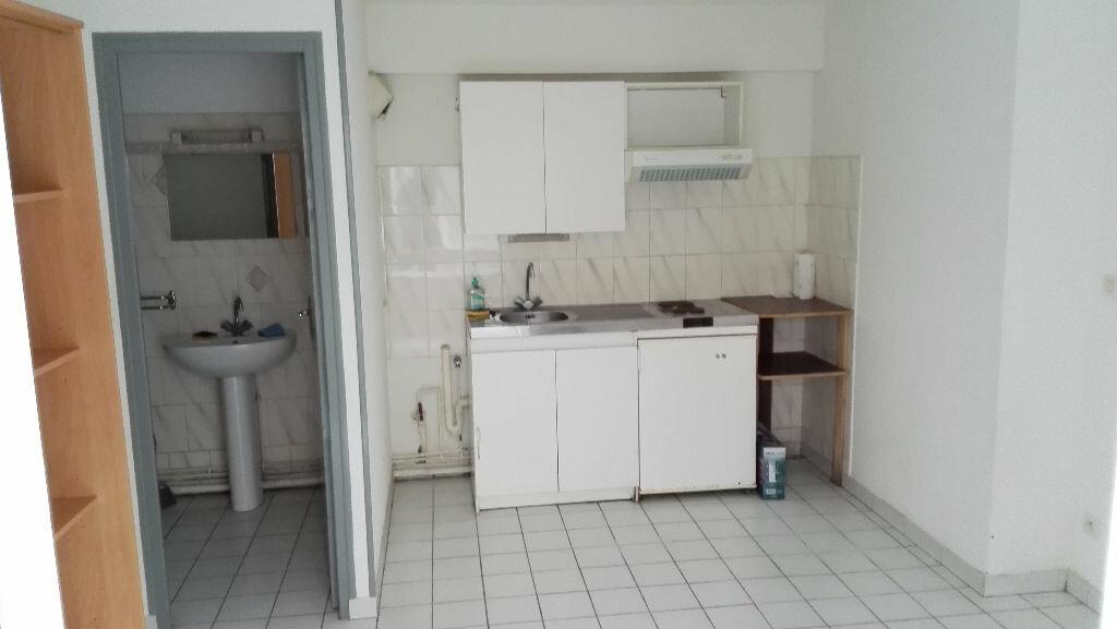 Appartement à louer 1 18m2 à Nevers vignette-6