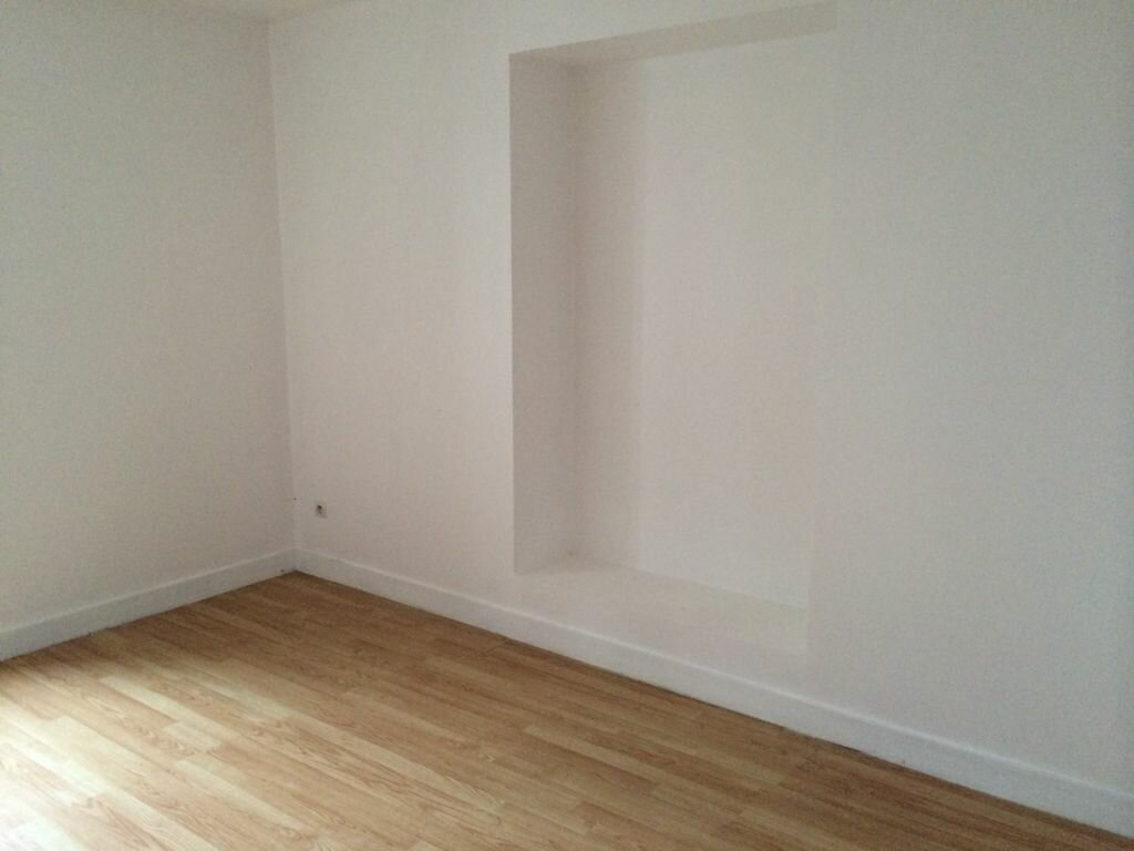 Appartement à louer 6 141.67m2 à Nevers vignette-4