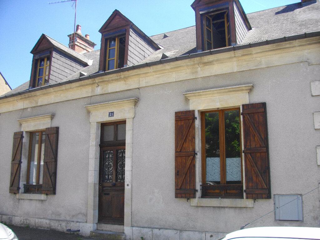 Maison à louer 6 130m2 à Bourges vignette-2