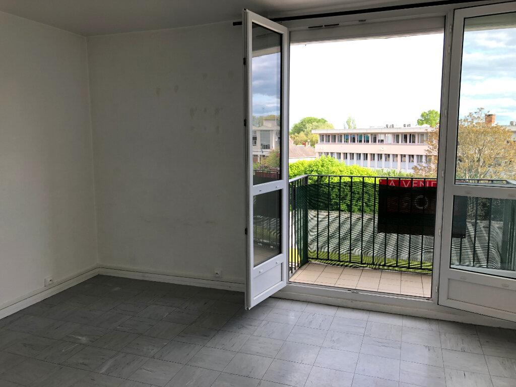 Appartement à louer 2 45.25m2 à Nevers vignette-1