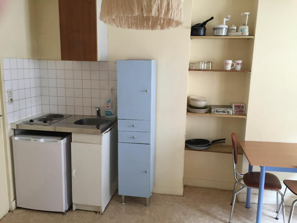 Appartement à louer 1 16m2 à Nevers vignette-1