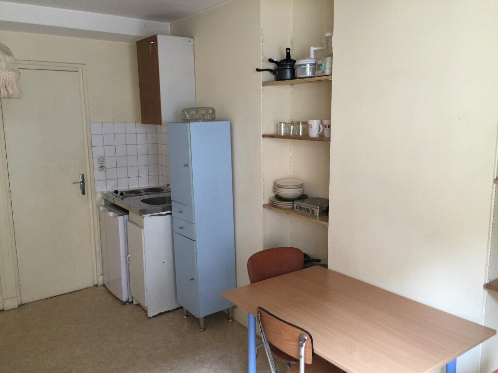 Appartement à louer 1 16m2 à Nevers vignette-4