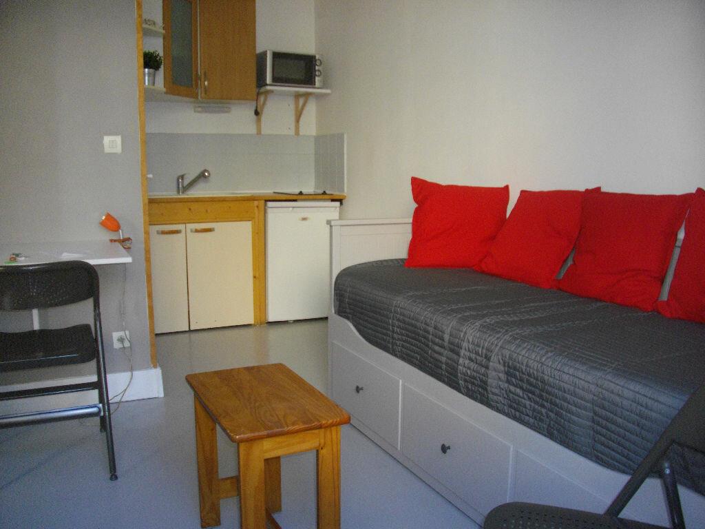 Appartement à louer 1 14.14m2 à Bourges vignette-1