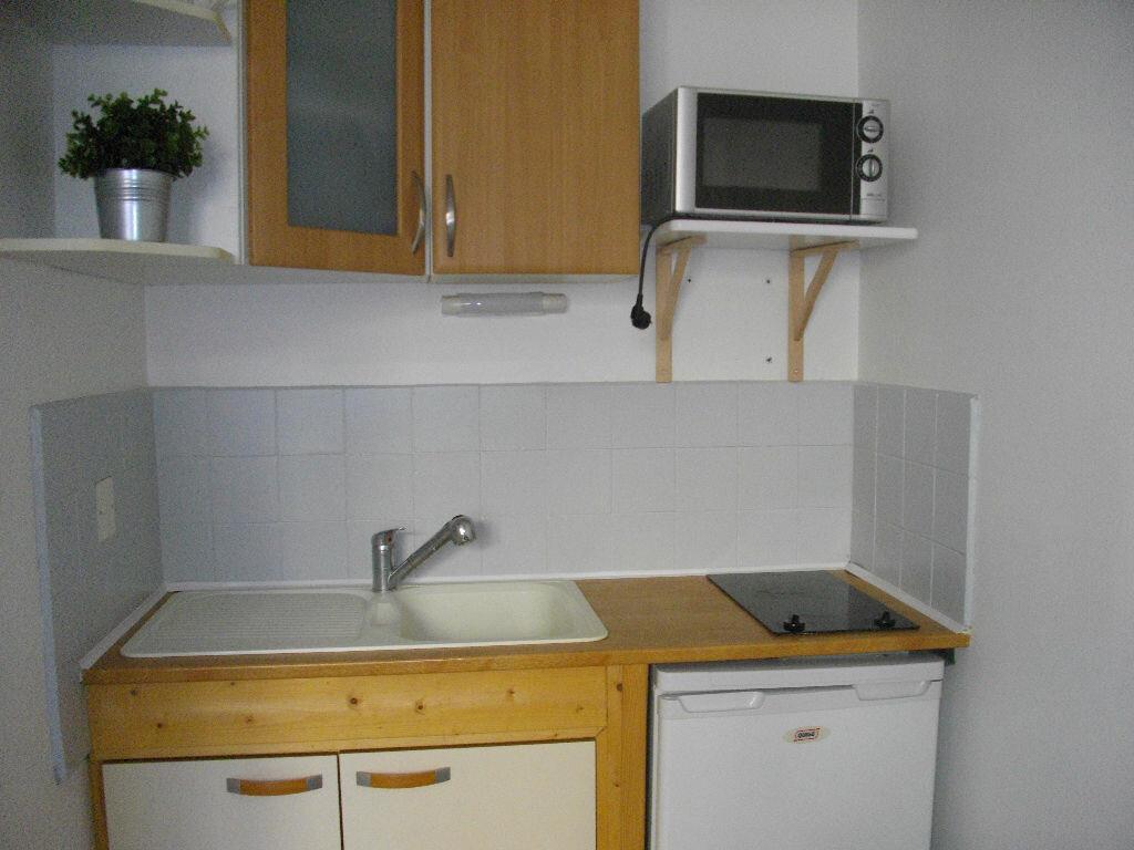 Appartement à louer 1 14.14m2 à Bourges vignette-2