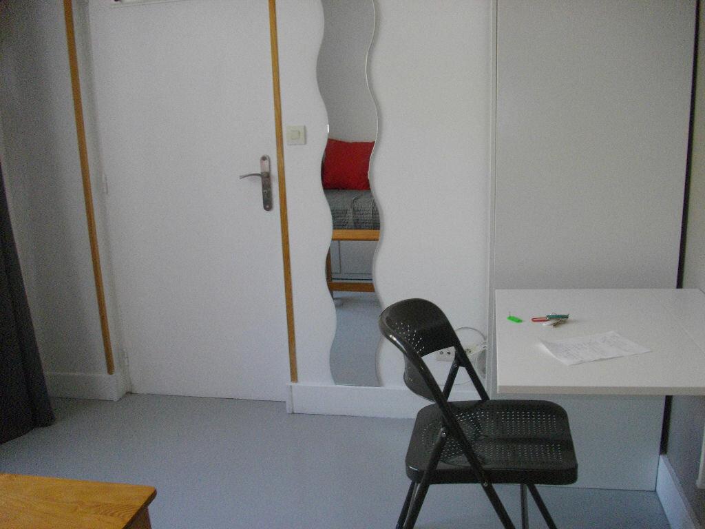 Appartement à louer 1 14.14m2 à Bourges vignette-5