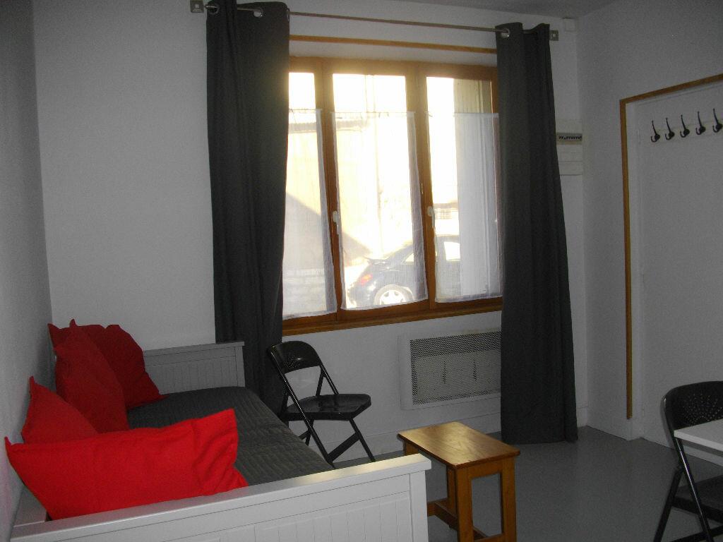 Appartement à louer 1 14.14m2 à Bourges vignette-6