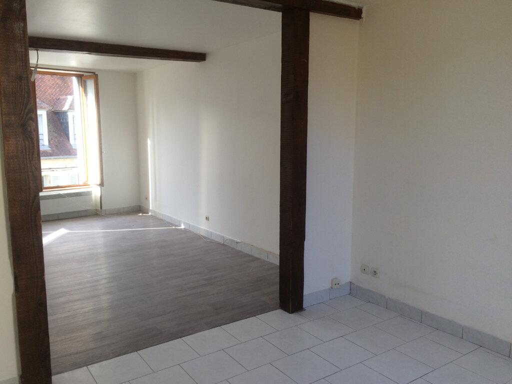 Appartement à louer 5 84.8m2 à Nevers vignette-9