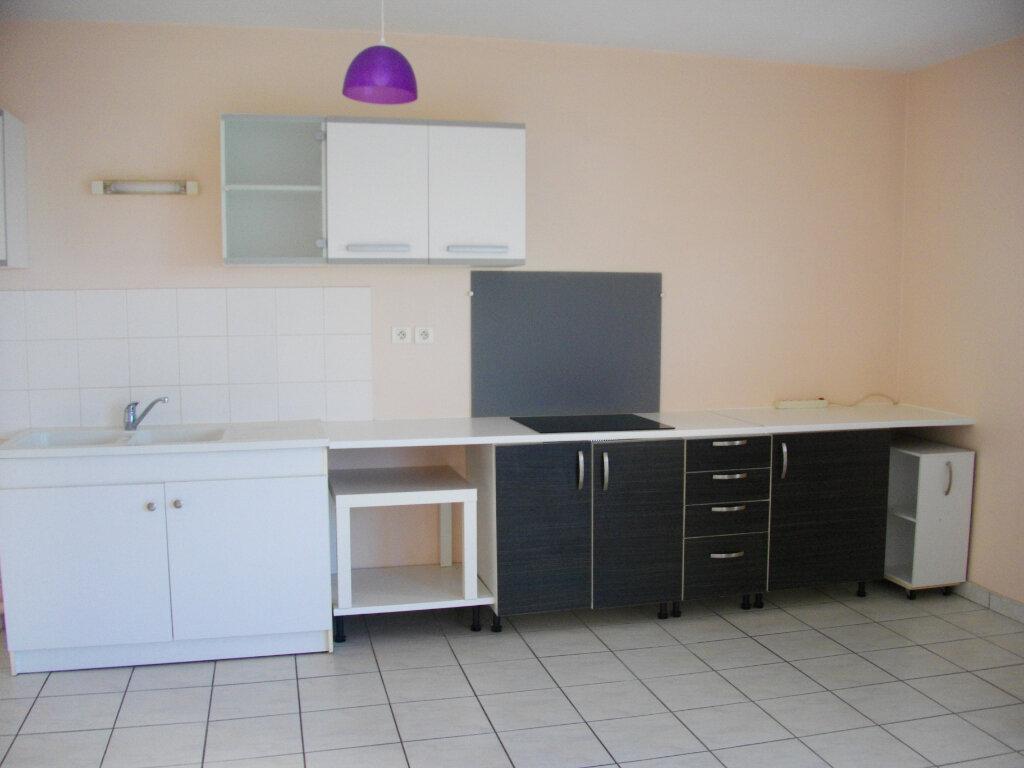 Appartement à louer 2 49.21m2 à Bourges vignette-1