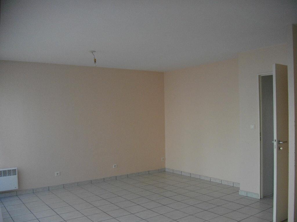 Appartement à louer 2 49.21m2 à Bourges vignette-2