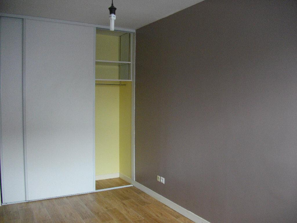Appartement à louer 2 49.21m2 à Bourges vignette-5