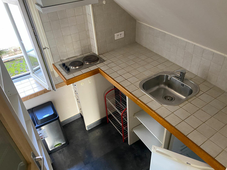 Appartement à louer 1 25.85m2 à Bourges vignette-1