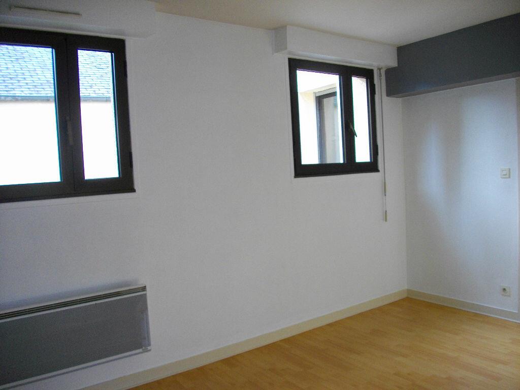 Appartement à louer 2 33.6m2 à Bourges vignette-1