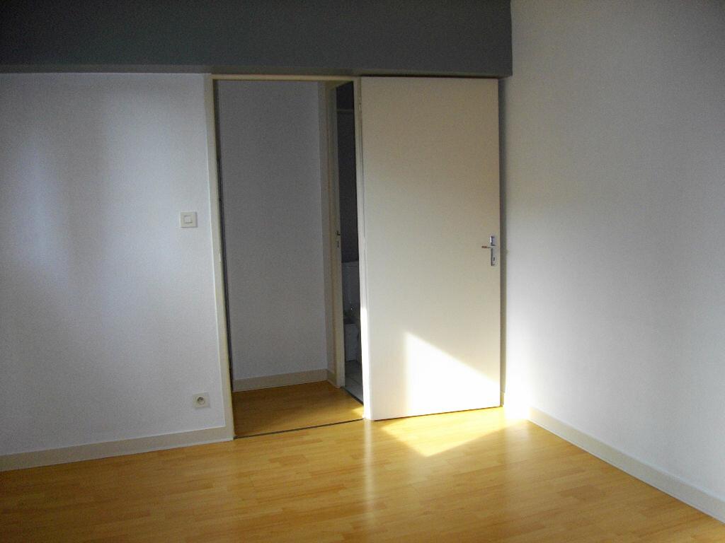 Appartement à louer 2 33.6m2 à Bourges vignette-2