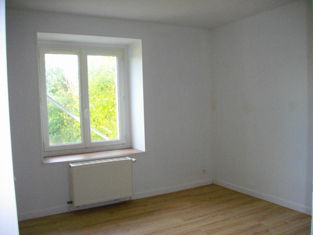 Maison à louer 6 185.13m2 à Marmagne vignette-5