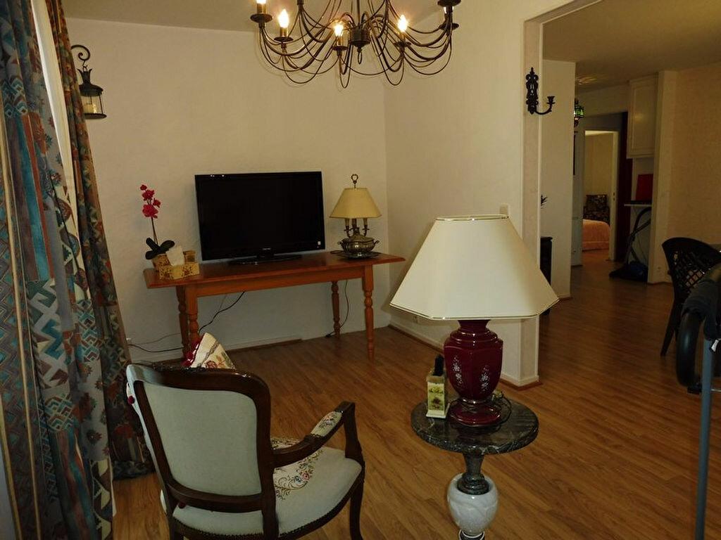 Appartement à vendre 4 73.2m2 à Cercy-la-Tour vignette-2