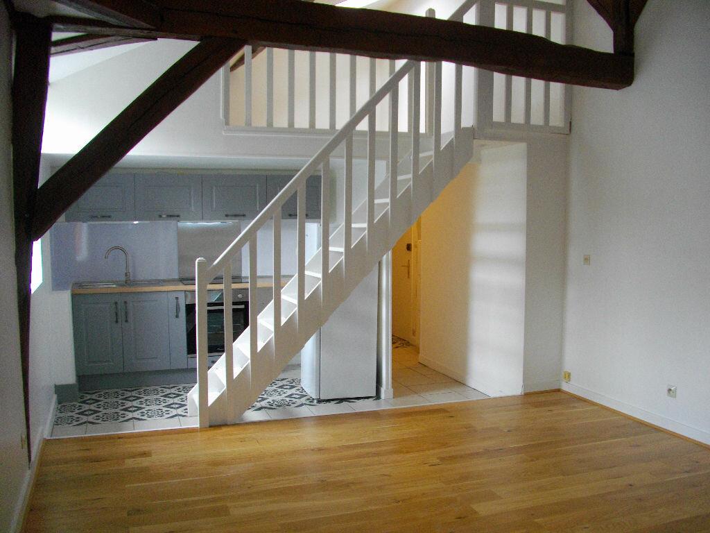 Appartement à louer 2 31.02m2 à Bourges vignette-1