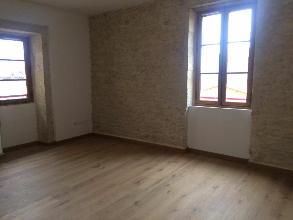 Appartement à louer 2 39.77m2 à Nevers vignette-1
