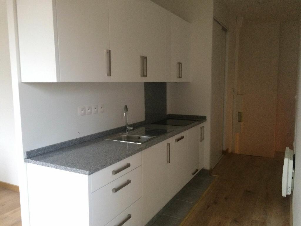 Appartement à louer 2 39.77m2 à Nevers vignette-2