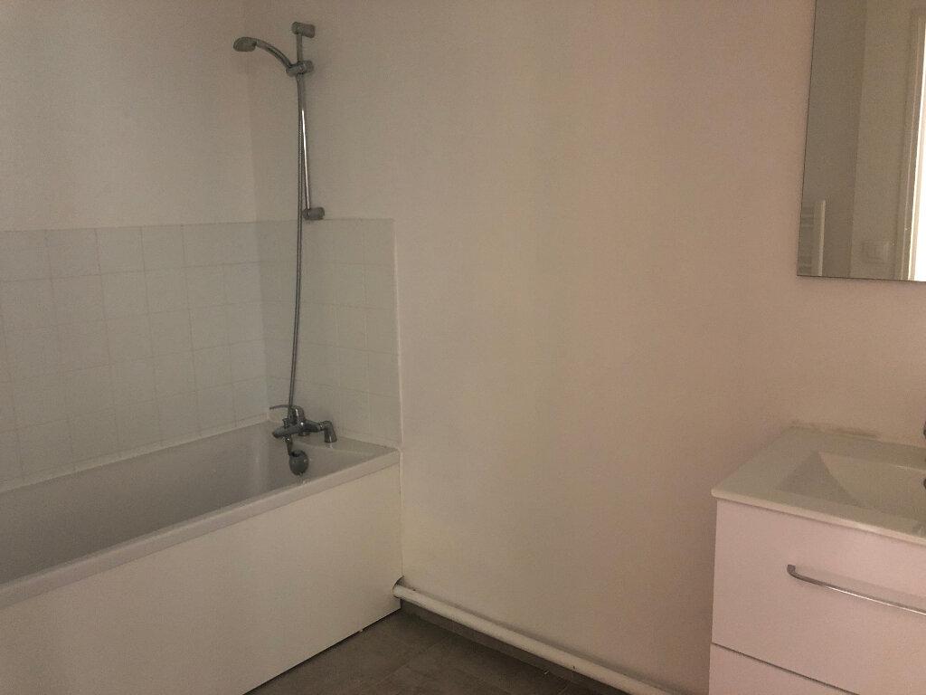 Appartement à louer 2 70.98m2 à Nevers vignette-8